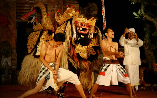 Barong and Kris Dance in Batubulan Bali