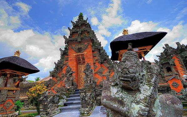 Day Trip to Batuan Balinese Temple