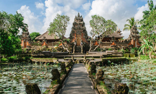 Bali Day Tour Royal Palace Ubud