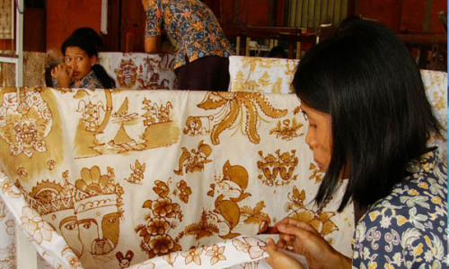 Plan a trip to Batik factory Bali in Tohpati Village